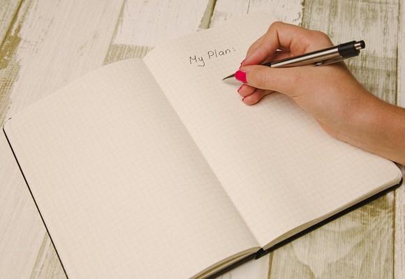 lux-grafoterapia-mano-cuaderno